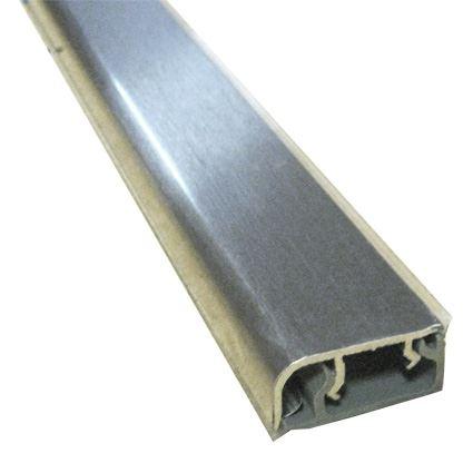 zadní těsnící kovová hrana pracovní desky, zakončení ke stěně nerezové 11x25,8mm, cena za 2m